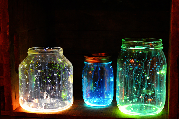Let It Glow – Mega Cool Projects for The Garden