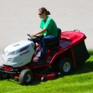 George Clooney's 55th Birthday Gift? A Sit-on Lawn Mower!